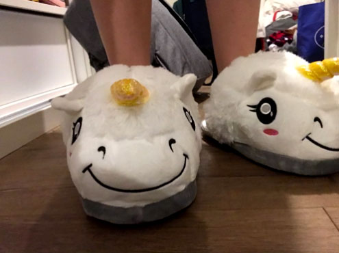 Do you believe in Unicorns? The plush unicorn slippers allow you to enjoy the warmth and comfort of slippers without sacrificing style