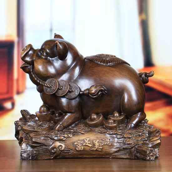 Деревянная статуэтка.Свинья на удачу.