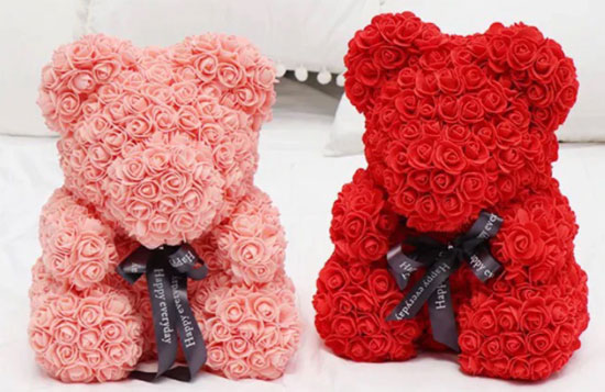 Медведь из роз - подарок для девушки